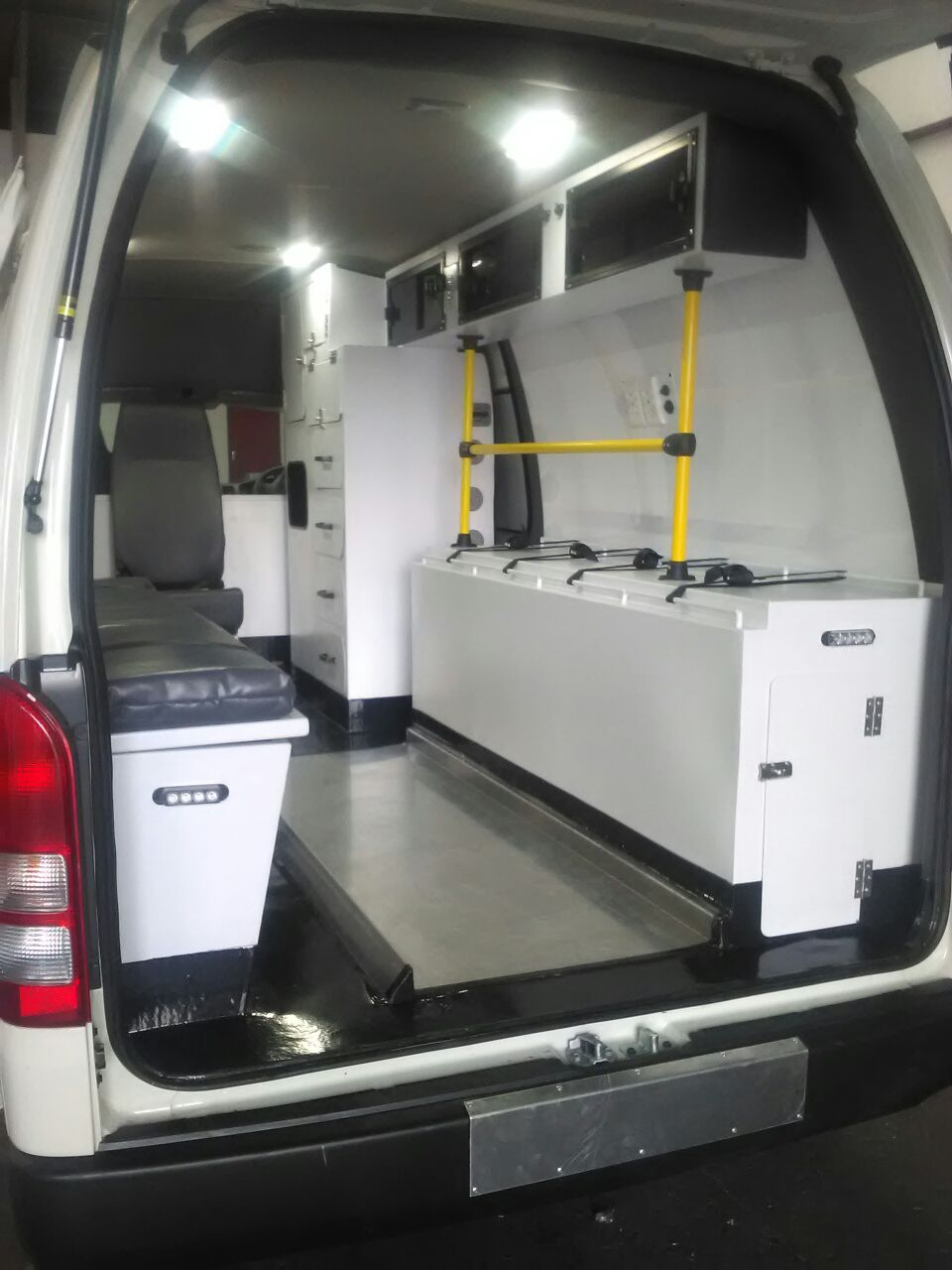 Custom Design Ambulance for CMR
